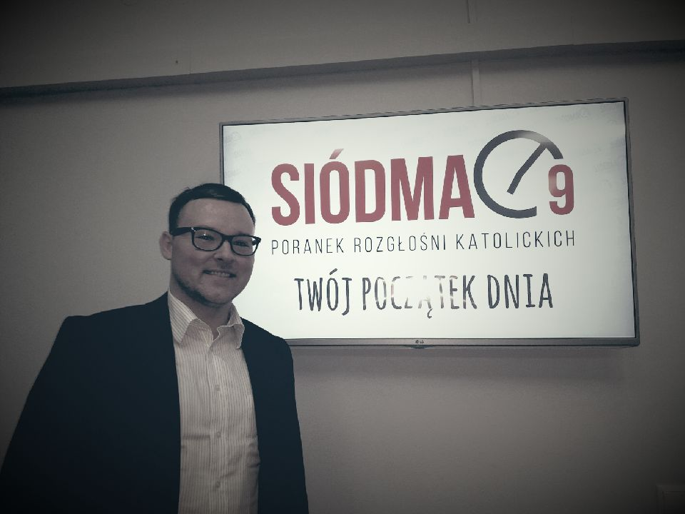 "Nick Siekierski at the ""7 to 9"" show radio studio , November 28, 2017"