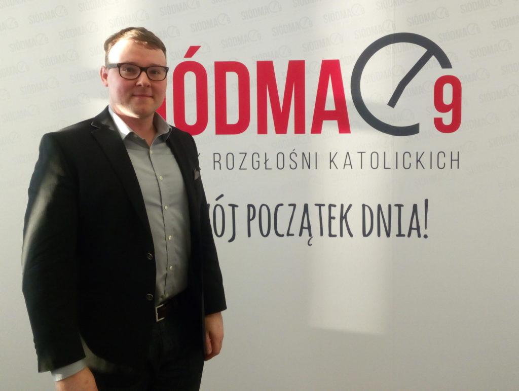 Me at the Śiodma-Dziewiąta (Seven to Nine) radio program studio